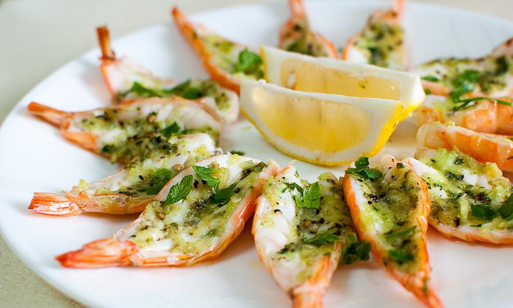 La recette facile de crevettes papillons au beurre à l'ail et citron!