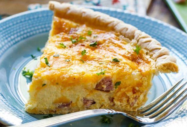 La meilleure recette de quiche au jambon et fromage (Super facile à faire!)