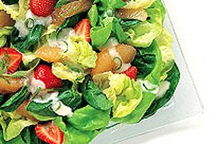 Salade aux épinards et aux fraises
