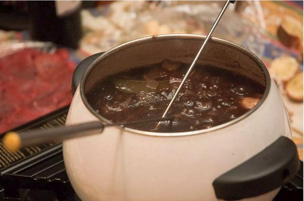La meilleure recette de bouillon à fondue chinoise maison!