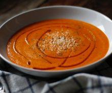 Soupe réconfortante aux poivrons rouges