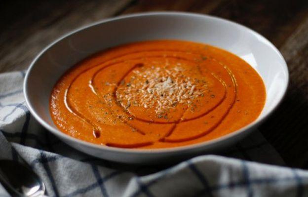 Recette facile de soupe réconfortante aux poivrons rouges