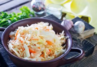 Salade de chou traditionnelle (style St-Hubert)