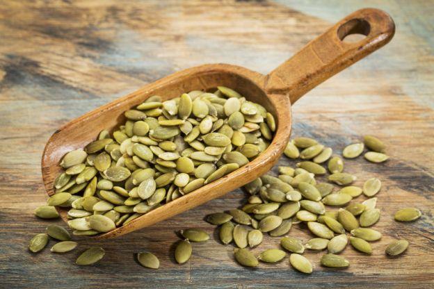 Recette facile de graines de citrouille - Graines de citrouille grillees au four ...