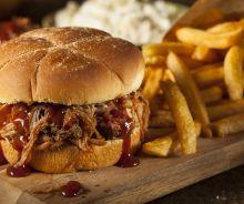 Sandwich au porc effiloché (pulled pork)