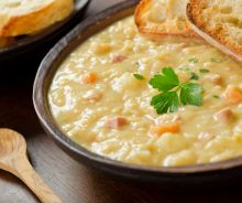 Soupe aux pois traditionnelle du Québec
