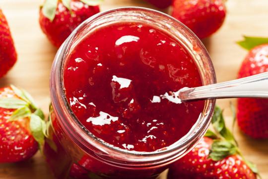 La recette de confiture aux fraises qui est facile et délicieuse!