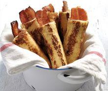 Bacon enroulé de pain doré