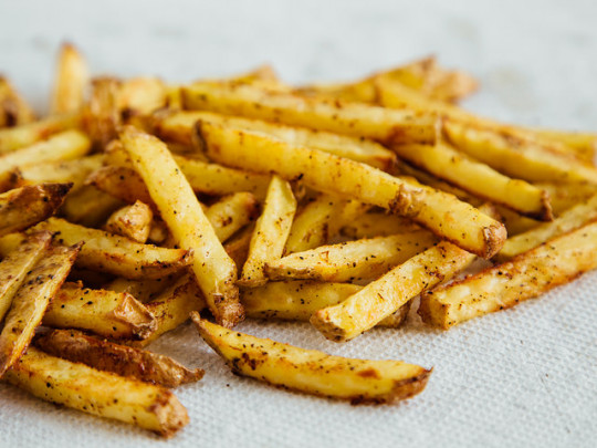 Recette de frites cajun maison (sans friteuse)