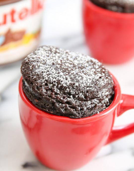 Recette facile de gâteau au Nutella dans une tasse