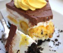Gâteau au fromage aux oeufs Cadbury avec une croûte Oréo