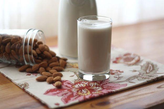 recette de lait d 39 amandes maison super facile faire. Black Bedroom Furniture Sets. Home Design Ideas