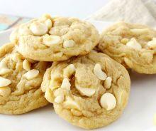 Biscuits au chocolat blanc et noix de macadame (style Subway)