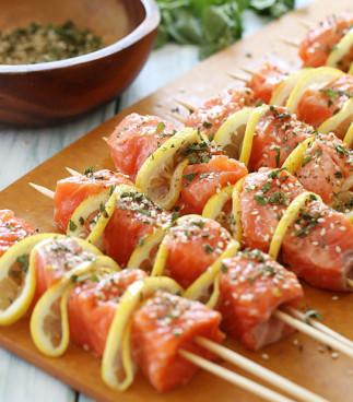 Recette de brochettes de saumon sur le barbecue!