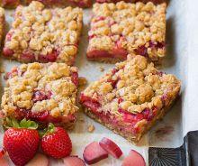 Barres tendres aux fraises et rhubarbe