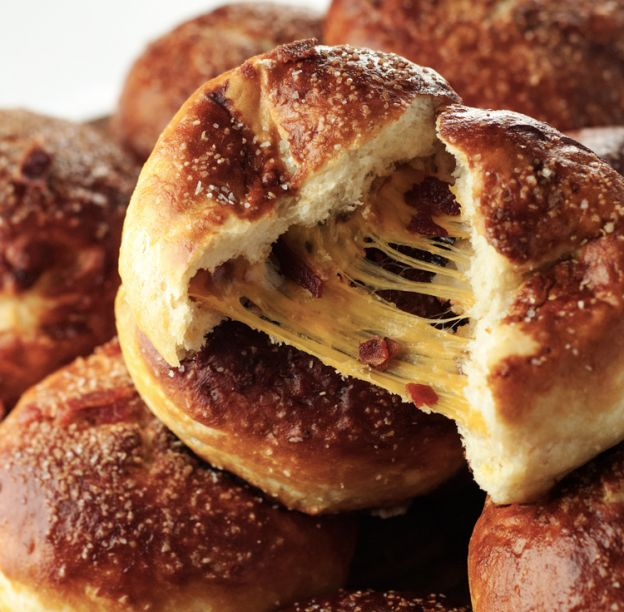 Recette de pretzel au cheddar et bacon (style Cuisine de rue)