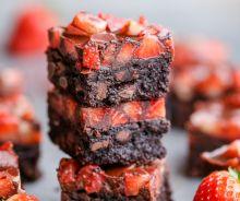 Brownies au chocolat et fraises