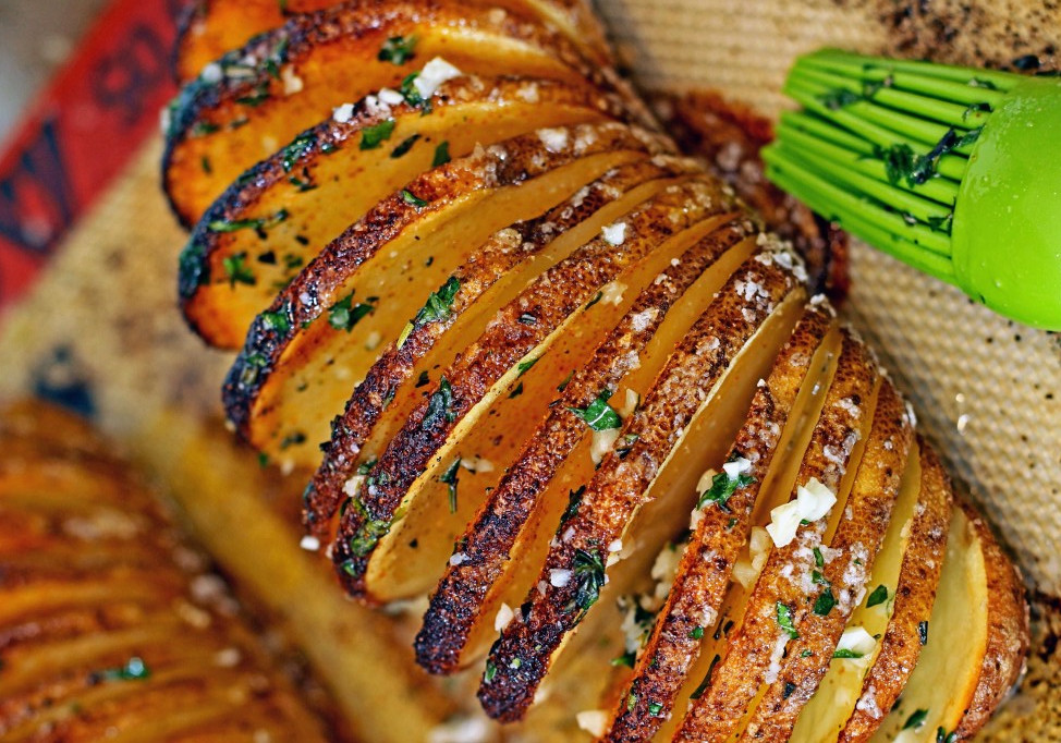 recette facile de pommes de terre la su doise hasselback potatoes. Black Bedroom Furniture Sets. Home Design Ideas