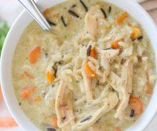 Soupe au poulet et riz sauvage