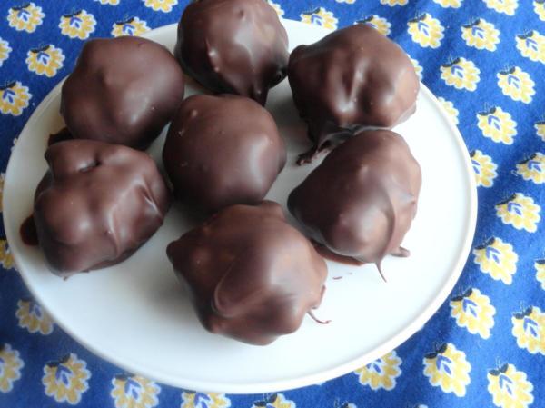 Boule de tarte aux pacanes enrobée de chocolat