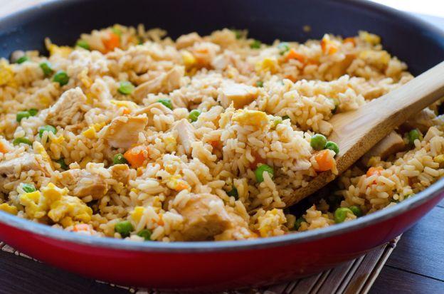 Recette facile de riz frit au poulet!