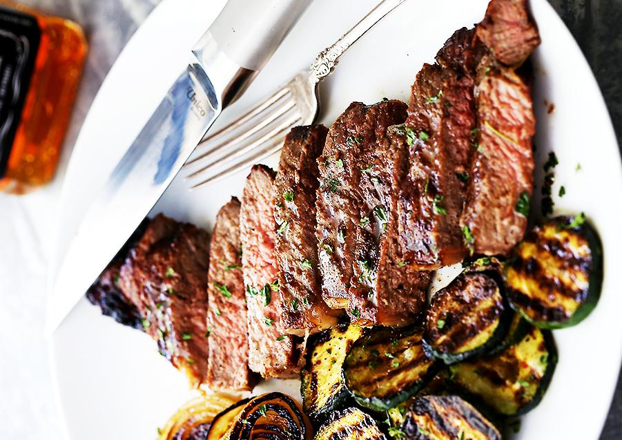 Recette facile de steaks grillés au Jack Daniel's