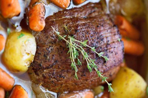 rôti avec patates et carottes