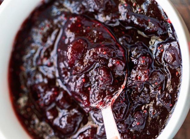 Recette facile de sauce aux canneberges à la mijoteuse