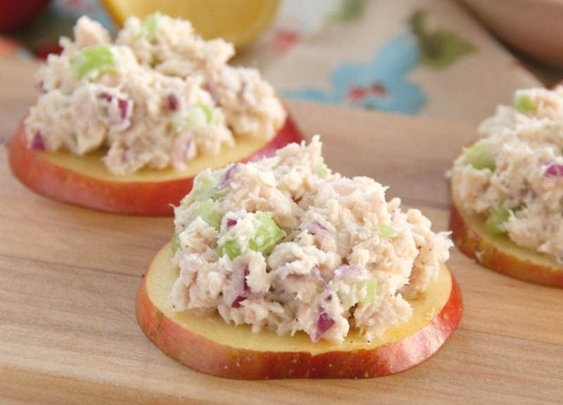 Recette facile de petites bouch es de pommes au thon for Entrees froides faciles
