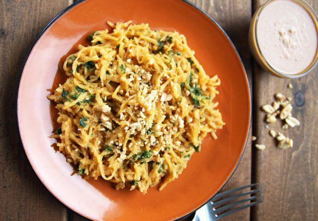 Recette facile de courge spaghetti à la sauce thaïlandaise aux arachides