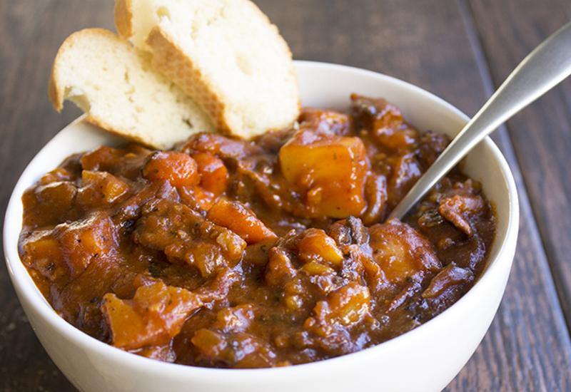 Recette facile de r gout de boeuf aux tomates - Comment couper une tomate en cube ...