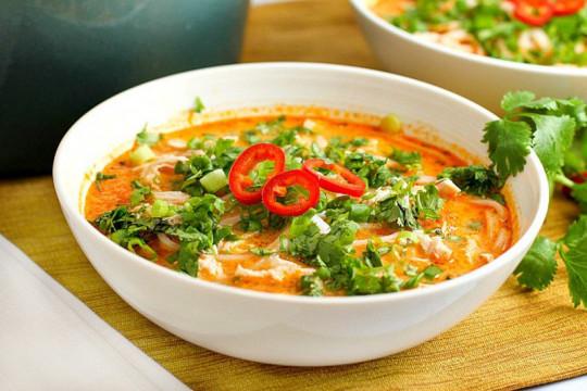 Recette facile de soupe poulet et nouille à la thaïlandaise