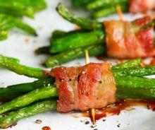 Fèves vertes enrobées de bacon