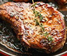 Côtelettes de porc caramélisées dans une sauce aigre-douce