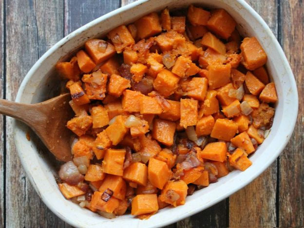Recette facile de patates douces au sirop d'érable et au bacon!