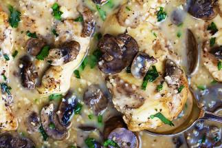 Poitrines de poulet Marsala dans la mijoteuse