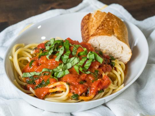 Recette facile de sauce tomates (5 ingrédients)
