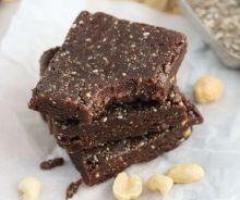 Barres aux chocolat, beurre d'arachides et graines de chia