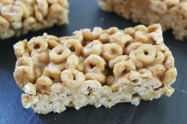 Recette facile de barres de Cheerios et beurre d'arachides