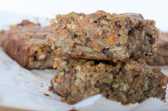 Recette facile de barres déjeuner de gâteau aux carottes