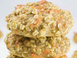 Biscuits de gâteau aux carottes et à l'avoine