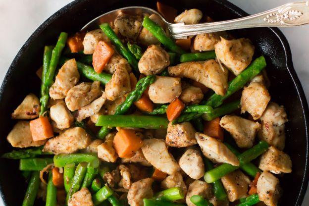 Recette facile de casserole de poulet, asperges et patates douces
