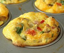 Muffins aux oeufs brouillés