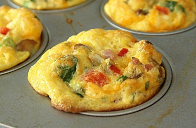 Recette facile de muffins aux œufs brouillés!