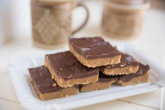 Carrés au chocolat et beurre d'arachides