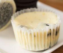 Cupcakes de gâteau au fromage aux biscuits Oréo