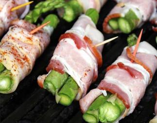 Asperges et bacon sur le BBQ