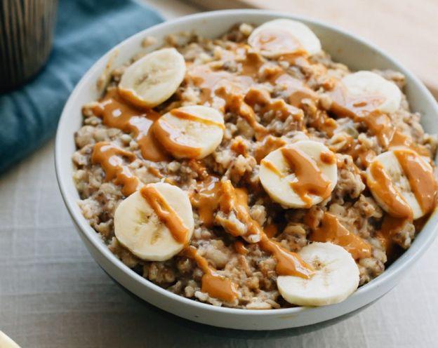 Recette facile de gruau aux bananes et beurre d'arachides!