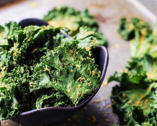 La meilleure recette de chips de kale!