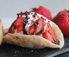 Tacos aux fraises et à la crème glacée